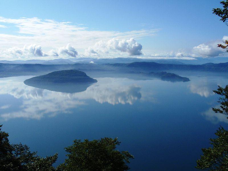Vue sur le lac Towada depuis l