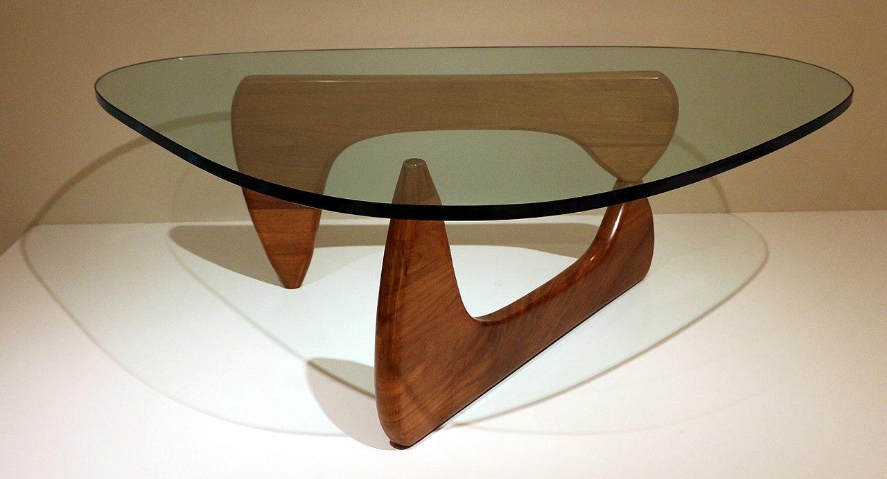 Table Isamu Noguchi