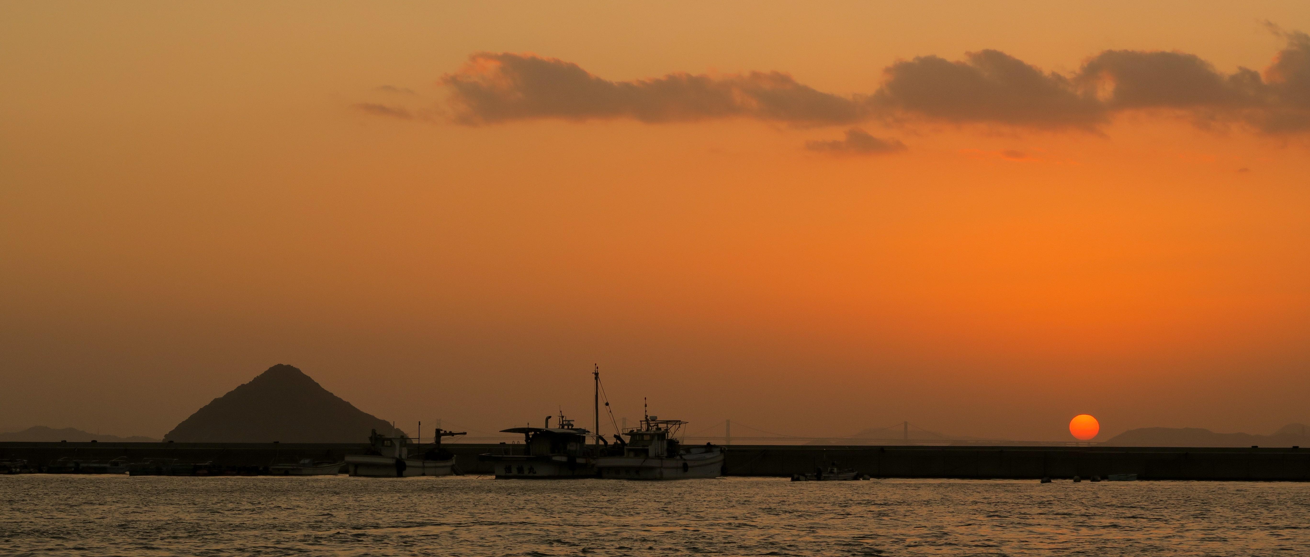 直島の夕暮れ