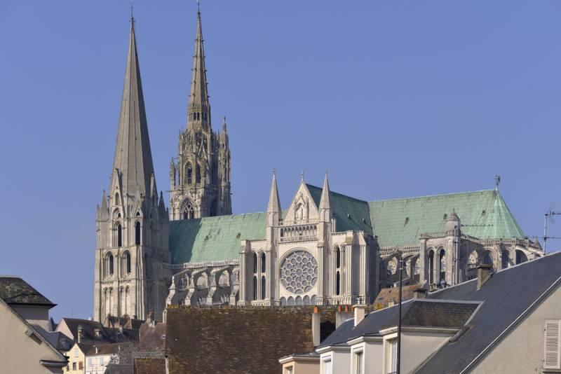 ツール・ド・フランスのルート沿いの町~ 「シャルトル大聖堂」