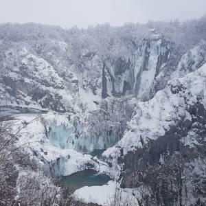 プリトヴィッツェ国立公園の雪景色