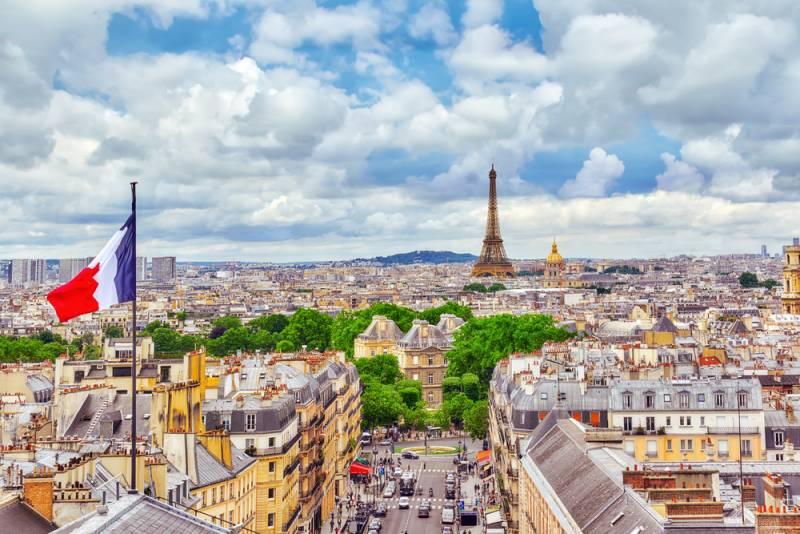 パリ・フランスの一大イベント革命記念日を祝う(le 14 juillet/ル キャトローズ ジュイエ)