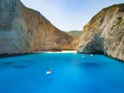 プライベートヨットで巡るギリシャの島々
