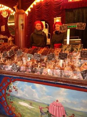 クリスマスマーケットで人気のスイーツ♪