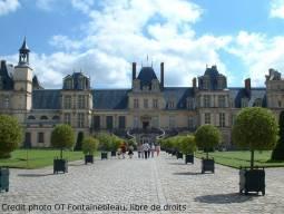世界遺産とブルゴーニュワインに出会う旅|フォンテーヌブロー&ボーヌ&パリ 8泊9日