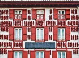 フランスハネムーン|フランスバスクからスペインバスクを巡る専用車の旅