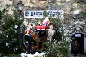 ファルケンブルクの洞窟クリスマスマーケット