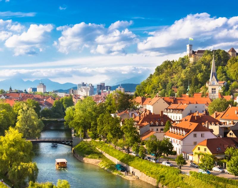 スロベニアとクロアチアの美しい自然、アドリア海の街の景観に感動
