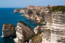 フランスの秘境コルシカ島を巡る6日間 2名様