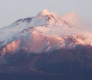 シチリア島の東部にある活火山・エトナ山