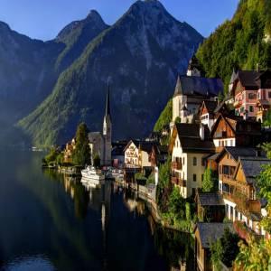 「世界一美しい湖畔の街」ハルシュタット