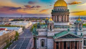 ロシア正教の荘厳な寺院へ