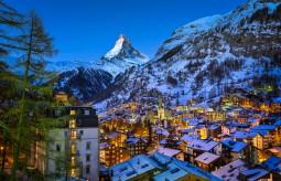 年末年始の旅 ツェルマットの雪山で新年を!北イタリア~ツェルマット 8日間(日本人エスコート付)