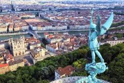 エミレーツ航空で行くフランス|自由に楽しむ!ニース・リヨン・ブルゴーニュを満喫するツアー 6泊7日