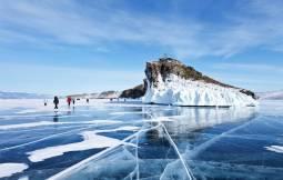 日本語ガイド付き!バイカル湖の自然 アイスハンティングと犬ぞり6日間