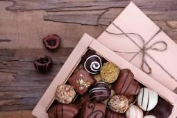 チョコの祭典 サロン・デュ・ショコラ参加ツアー|パリ半日観光付き