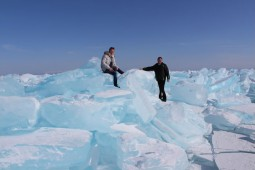 世界遺産バイカル湖の自然 アイスハンティング5日間