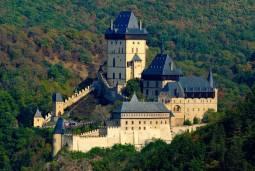 【専用車】チェコの美しさ 古城を優雅に巡る8日間