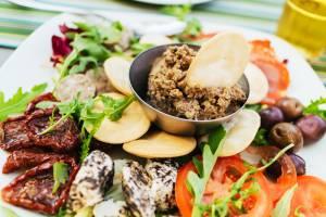 マルタ島の伝統料理を美しい風景の中で!