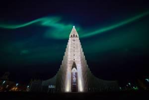 レイキャビクのランドマークタワー:ハットグリムス教会【アイスランド情報】