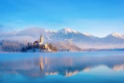 2018年12月限定 ザグレブ発着ブレッド湖+リュブリャナのクリスマスマーケット1日観光 日本語アシスタント付き