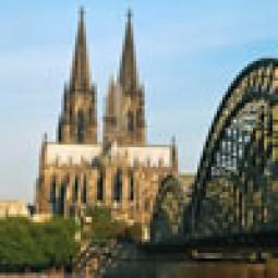 ハイテク鉄道ICEで東西ドイツを横断!世界遺産とアウシュヴィッツの旅 7日間