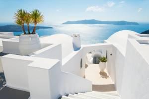 ギリシャの家々が白い理由とは?