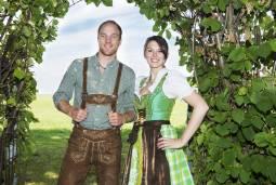 バイエルンの民族衣装を着てミュンヘン一日街歩き★昼食はホフブロイハウスで!【女性用】