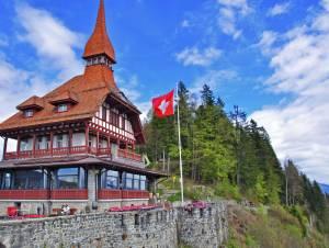 NEW! ハーダークルム展望台でスイス民族音楽とディナーが楽しめます!