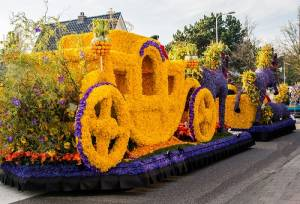 花の国・オランダのフラワーパレードへようこそ!