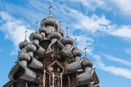 観光充実のサンクトペテルブルクとキジ島7日間