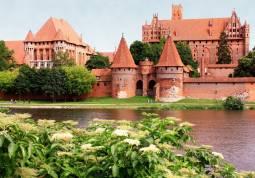 【専用車】ポーランド古城ホテル宿泊☆ 世界遺産マルボルク城と人気3都市7日間