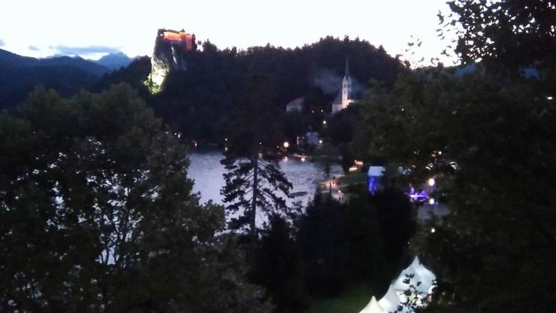 ブレッド湖の夜景