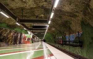 ストックホルムのユニークな地下鉄