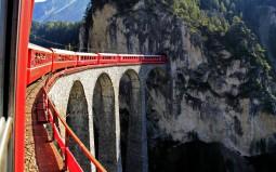 絶景!スイスアルプス鉄道の旅とパリ 9日間