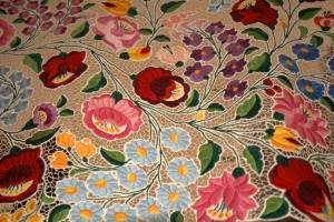 ハンガリーの可愛い伝統刺繍・カロチャ刺繍【ハンガリー情報】