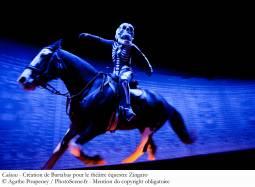 【乗合バス利用】モンサンミッシェルで乗馬体験&パリ滞在+シャンティイ「馬術ショー」6日間<2名様より催行>