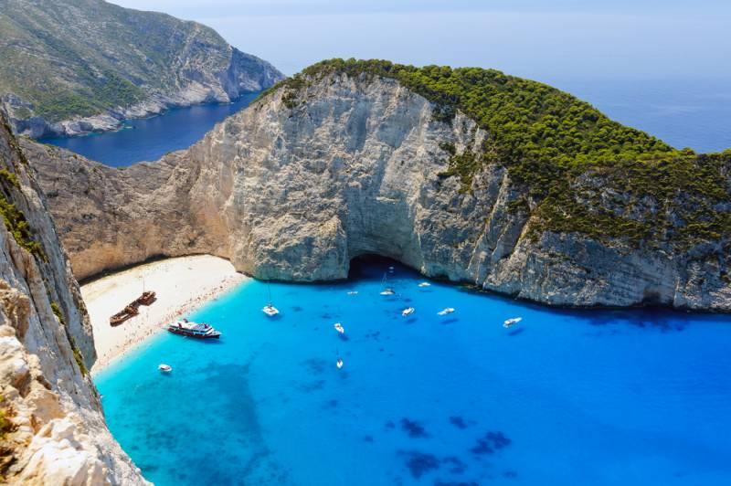 ギリシャ旅行の人気上昇が止まらない!!