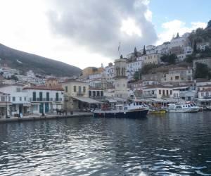 ギリシャヨットクルージングの魅力とは?-エーゲ海冒険旅行<前編>