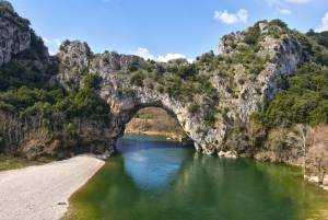フランスで夏の涼を感じるシリーズ 海・川・池あそび