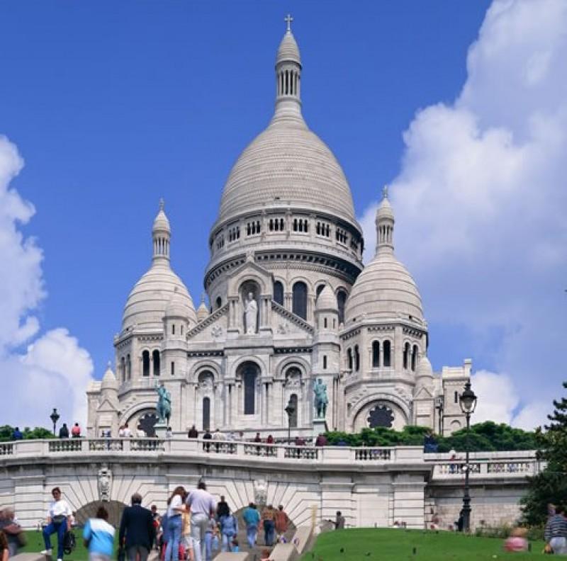 パリ音楽祭とシャンソンバーを巡る旅
