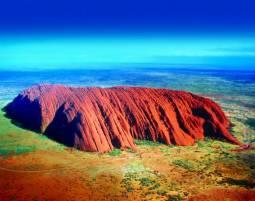 オーストラリア ウルル・エアーズロックとシドニー ロンギチュード131°に宿泊