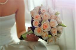 フランスハネムーン(新婚旅行) ☆アメリカンチャーチ結婚式とパリプチホテルにご宿泊
