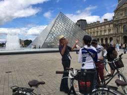 毎週土曜9:30発 ルーブル美術館入場+パリサイクリング!!4時間コース(少人数6名まで)現地ガイド付