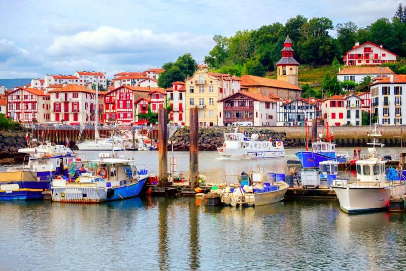 ショッピングにグルメ!ビーチが楽しめるフレンチバスクの村・サン・ジャン・ド・リュズ