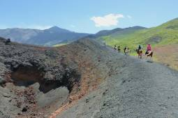 4月~7月、9~11月【イタリア】シチリア島 マドニエ自然公園~エトナ火山までシチリア北部を横断ホーストレッキング!!