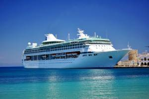 ギリシャ旅行するならエーゲ海クルーズで島めぐり!