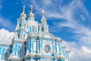 ロシアバロック建築の傑作スモーリヌイ修道院