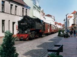 機関車「モリー」に乗車!北ドイツの美しいバルト海を巡る旅 4日間