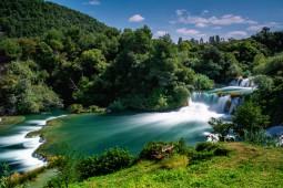 クロアチアの2大公園と中世の街並み探訪 8日間